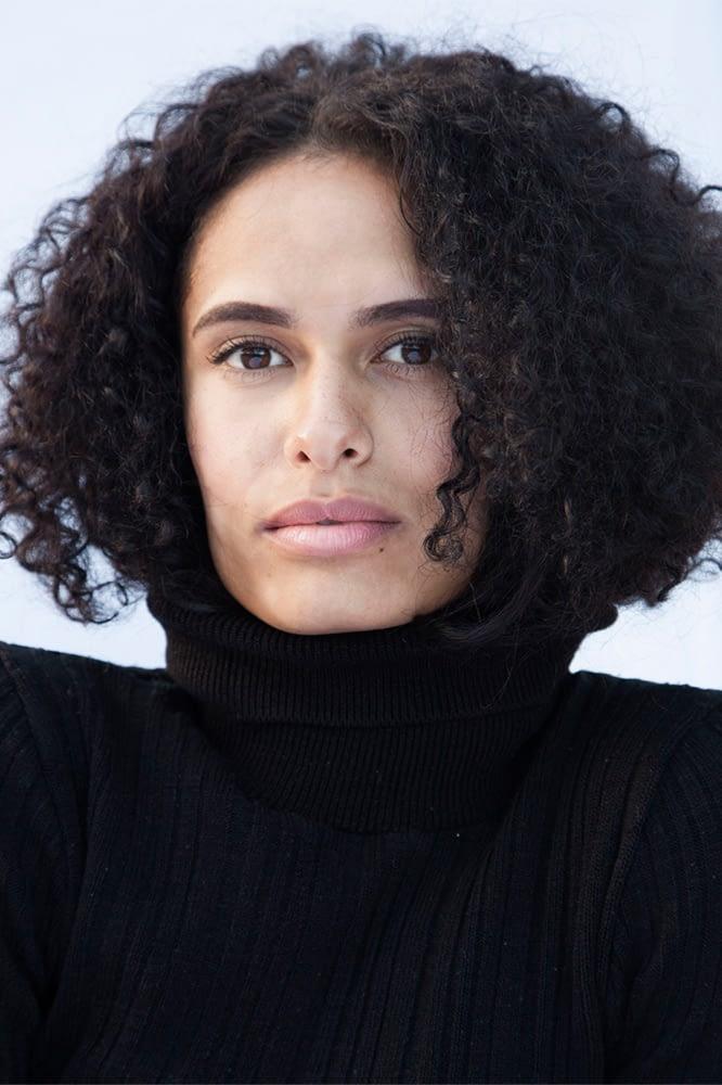 Alda-M-bei-Portraitfotograf-Muenchen-Kpaou-Kondodji-